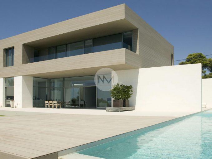 Portal Inmobiliario de Lujo en Cala Pi, presenta lujoso chalet venta en Mallorca, casa de lujo para comprar y viviendas premium independientes en venta en Llucmajor.