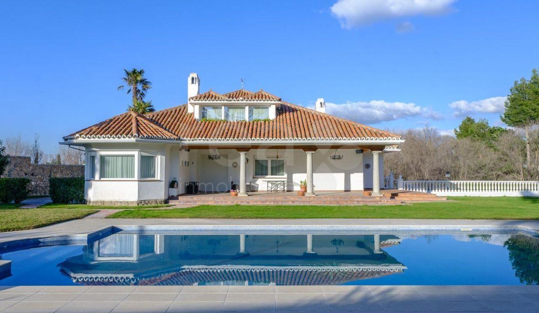 Portal Inmobiliario de Lujo en La Moraleja, presenta chalet lujoso venta en Madrid, casas para comprar y propiedades independientes en venta en Alcobendas.