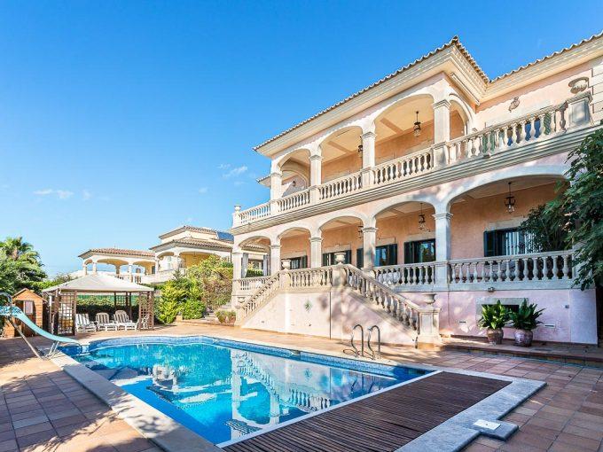 Portal Inmobiliario de Lujo en Son Veri Nou, presenta chalet de lujo venta en Llucmajor, inmuebles lujosos para comprar y viviendas independientes en venta en Baleares.