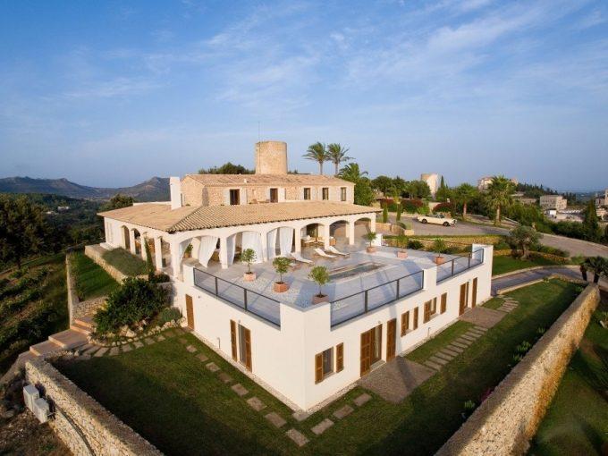 Portal Inmobiliario de Lujo en Arta, presenta chalet lujoso venta en Mallorca, casas para comprar y viviendas independientes en venta en Baleares.