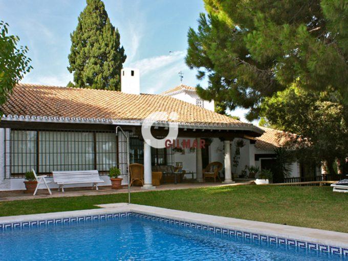 Portal Inmobiliario de Lujo en El Candado, presenta chalet premium venta en Málaga, casa de alta gama para comprar y hogar de lujo en venta en Málaga Este.