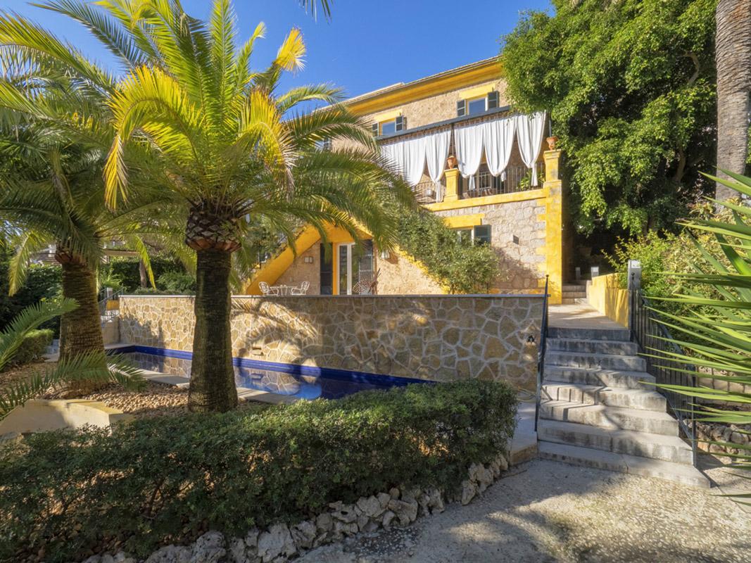 Portal Inmobiliario de Lujo en La Bonanova - Porto Pi, presenta chalet de lujo venta en Mallorca, villa exclusiva para comprar y propiedades independientes en venta en Genova.