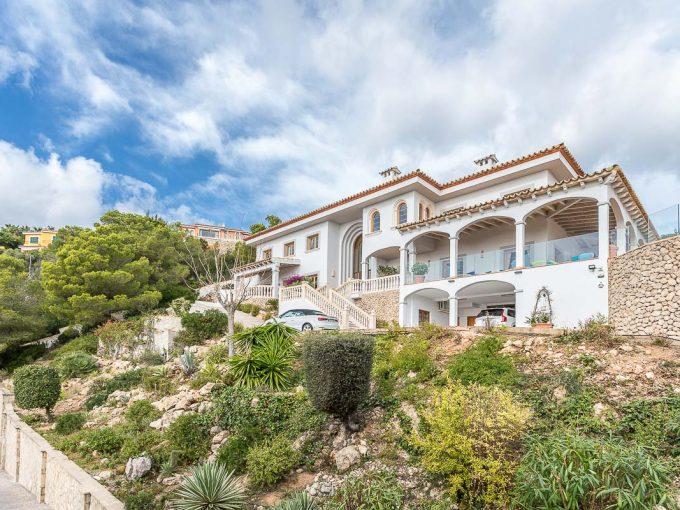 Portal Inmobiliario de Lujo en Costa d'En Blanes, presenta chalet de lujo venta en Mallorca, casa lujosa para comprar y vivienda independiente en venta en Calvià.