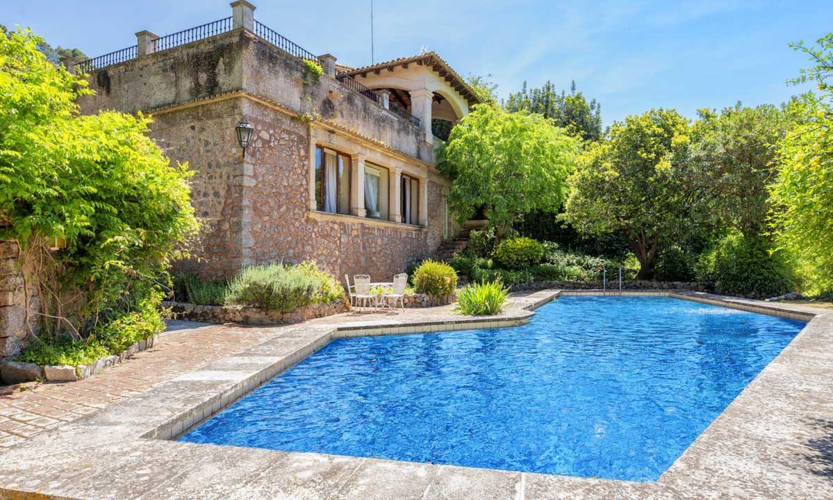 Portal Inmobiliario de Lujo en Escorca, presenta chalet de lujo venta en Mallorca, inmuebles lujosos para comprar y vivienda exclusiva independiente en venta en Baleares.