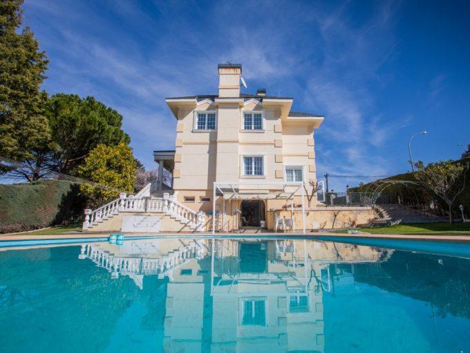 Portal Inmobiliario de Lujo en Villaviciosa de Odón, presenta chalet de lujo venta en Madrid, mansión exclusiva para comprar y viviendas independientes en venta en Zona Noroeste de Madrid.
